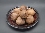 黑蒜厂家介绍黑蒜,老人们都爱吃,养生效果到底如何?